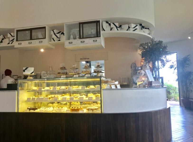チェジュ島のカフェママロンのショーケース