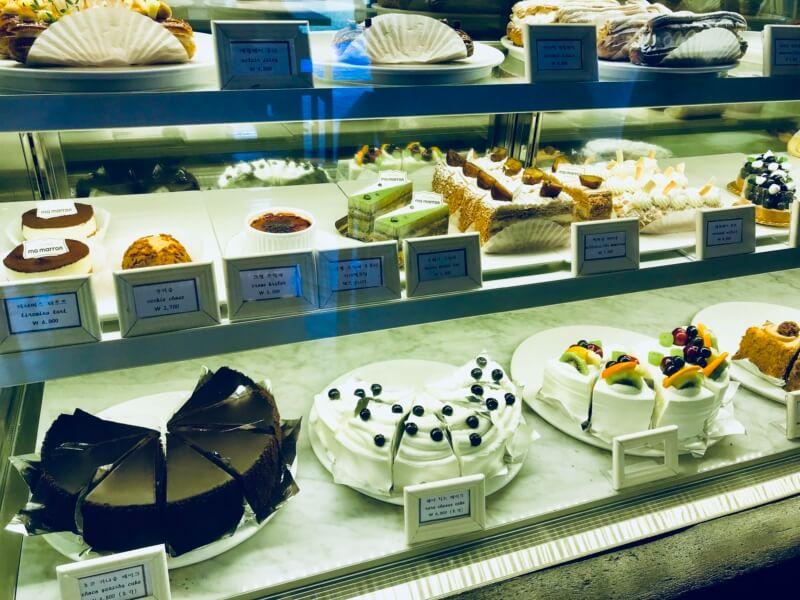 チェジュ島のカフェママロンのチョコレートケーキ