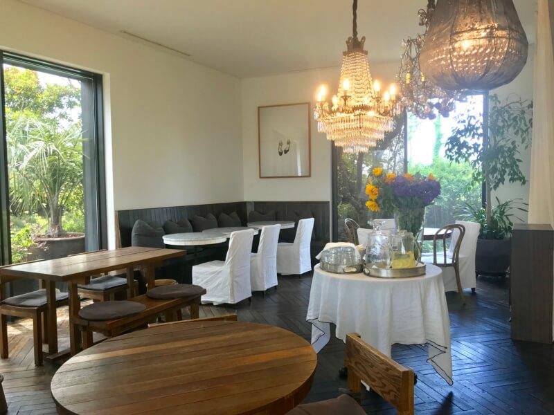 チェジュ島のカフェママロンの内装