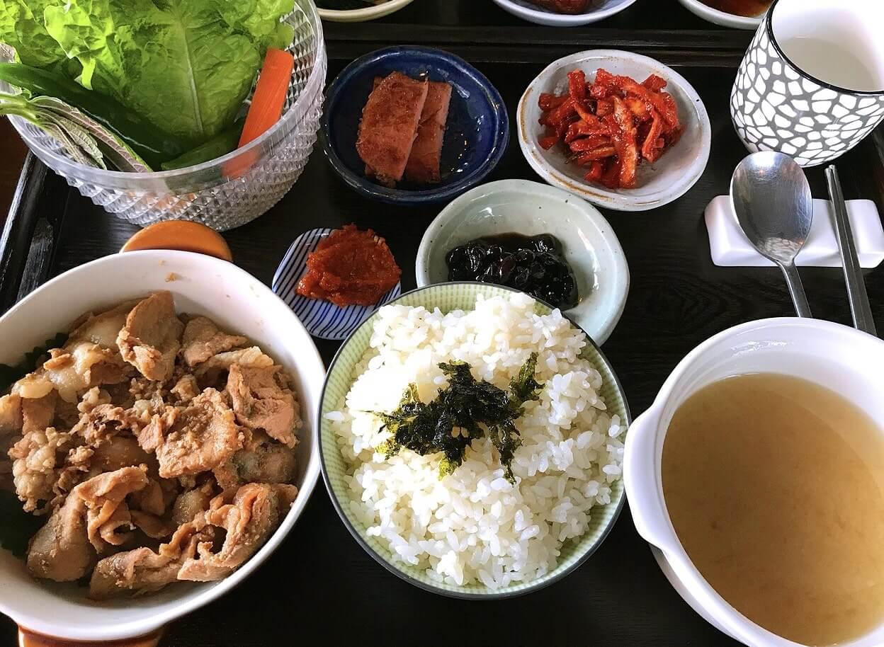 韓国のプルコギ定食