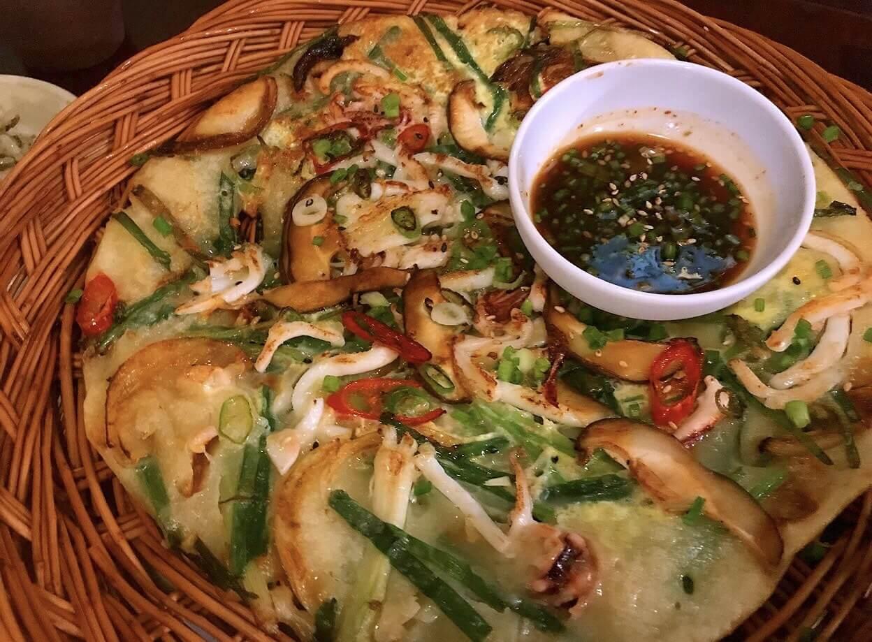 旧チェジュの韓国料理屋産のチヂミ