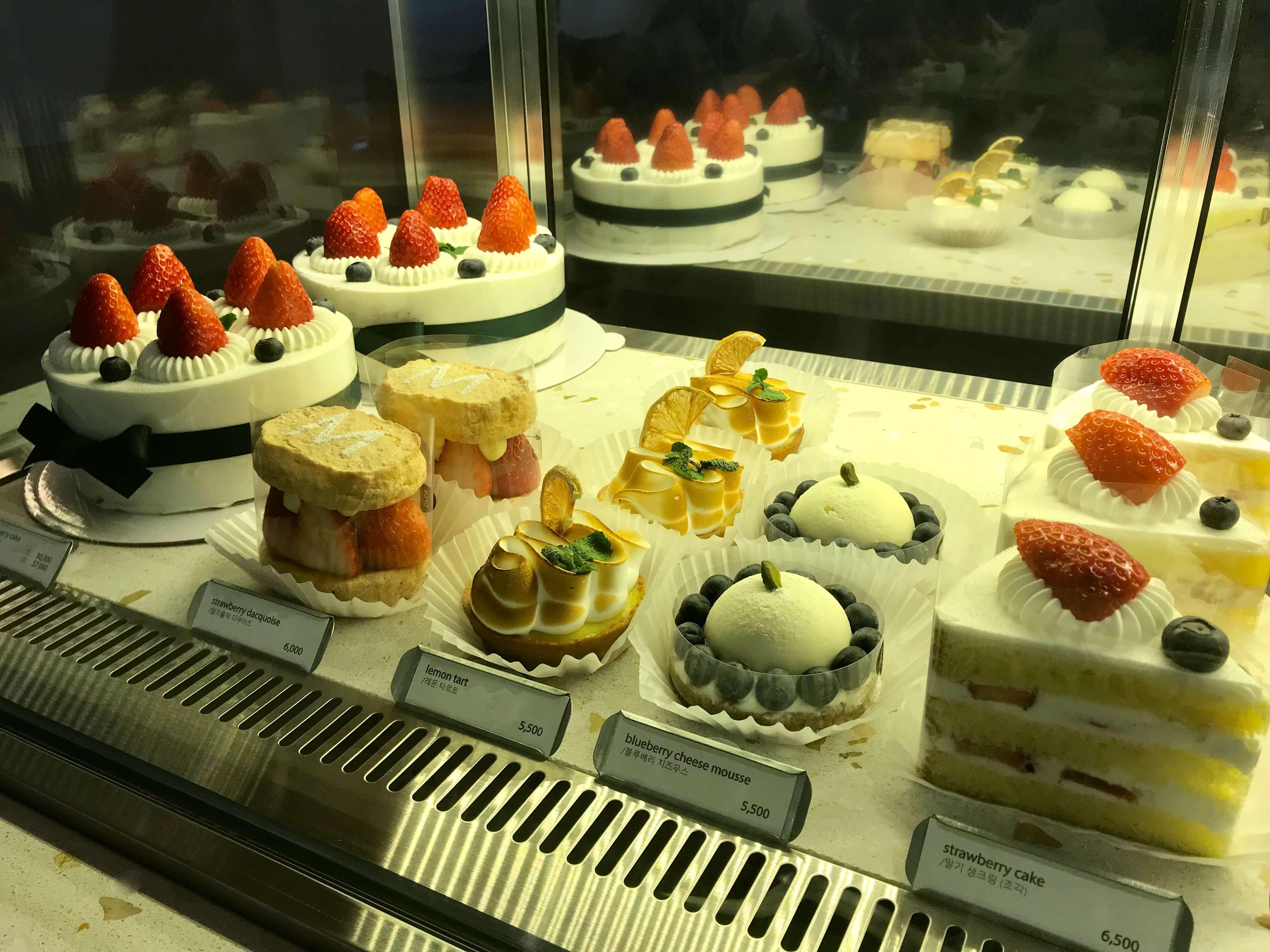 チェジュ島人気のカフェモアンのケーキメニュー