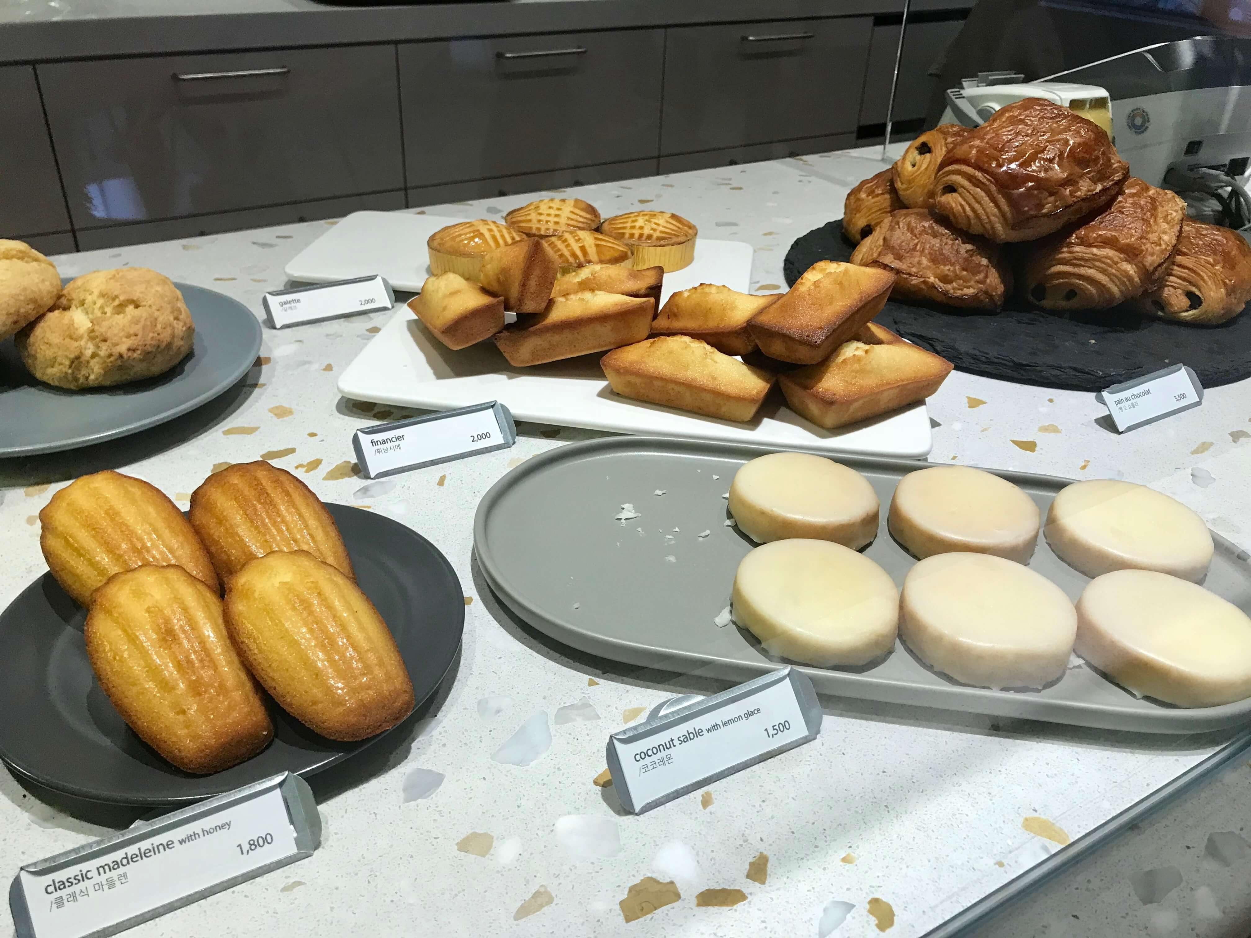 チェジュ島のカフェモアンの焼き菓子